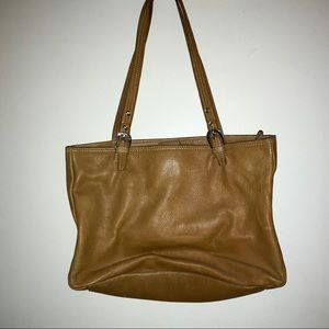 Elegant leather handbag